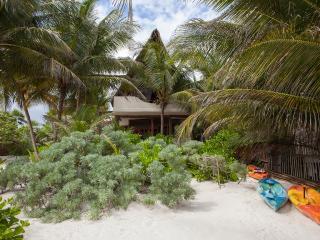 Casita Bonita. Sensuous beach house - Tulum vacation rentals