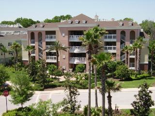 Beautiful 3 bed 3rd floor contemporary condo,  private balcony at Villas South Reunion Resort - Four Corners vacation rentals