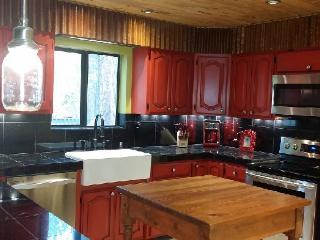 HUGE Cabin-Movie Theater-Pool Table-sleeps 28-32 - Pinetop vacation rentals