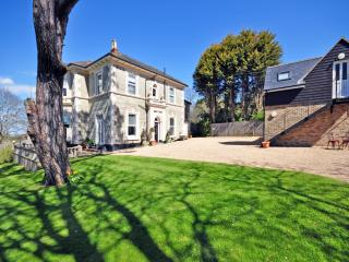 Beautiful 2 bedroom Wroxall Apartment with Internet Access - Wroxall vacation rentals