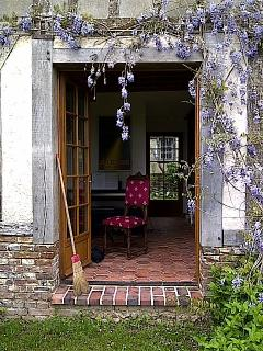 Beautiful 18th century country house - Auneuil vacation rentals