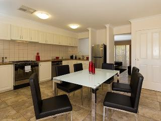 TULC11, Tully Road, East Perth - Belmont vacation rentals