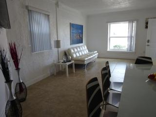 Beautifull 2BR PARKING on Miami BeachApt2 - Miami Beach vacation rentals