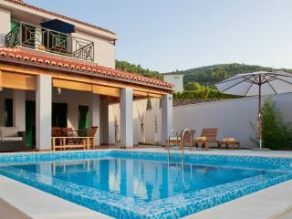 Modern Villa with 3 bedrooms & private pool - Vis vacation rentals