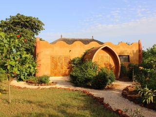 SUITE BIOCLIMATIQUE LODGE DALAAL DIAM - Somone vacation rentals