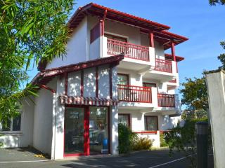 Résidence IZARENEA Appt N°7 - 2ème étage - Hendaye vacation rentals