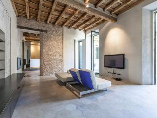 LoopHouse Apartment - Rome vacation rentals