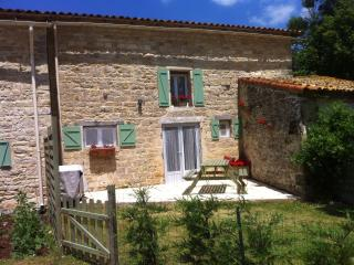 2 bedroom Gite with Internet Access in Chaunay - Chaunay vacation rentals