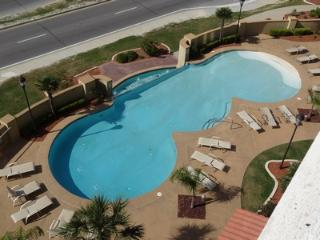 Perfect Condo with Internet Access and Grill - Gulfport vacation rentals