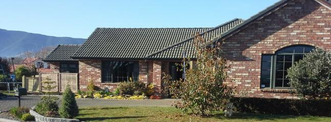 Richmond Retreat | Sleeps 5 | from $225 - Nelson-Tasman Region vacation rentals