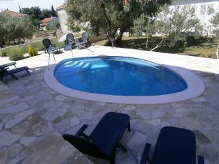 Villa Mellita-1 floor apartment - Okrug Gornji vacation rentals