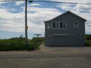 Nice Cottage with Internet Access and Wireless Internet - Biddeford Pool vacation rentals