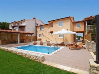 TH00069 Holiday House Stinjan Licardo - Stinjan vacation rentals