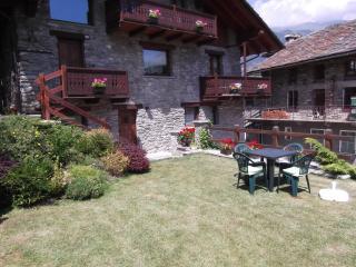 Appartamento Valle d'Aosta; Aosta Introd - Aosta vacation rentals