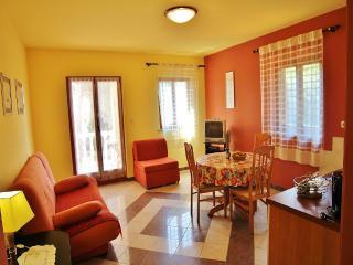 TH00218 Apartments Mira / One bedroom A4 - Pula vacation rentals