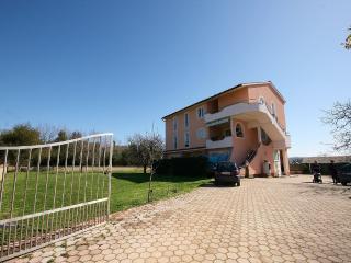 TH00233 Apartments Villa Loredana / Comfort Two bedroom A1 - Banjole vacation rentals