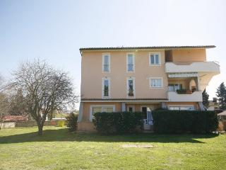 TH00233 Apartments Villa Loredana  / Two bedroom Green A2 - Banjole vacation rentals