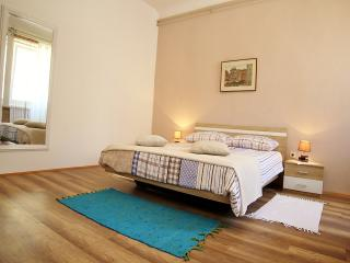 TH00015 Apartment De Amicis - Rovinj vacation rentals