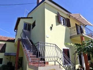 TH00300 Apartment  Zgrablic / Two Bedroom - Rovinj vacation rentals