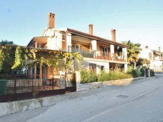 TH00413 Apartments Licul / Two bedrooms A3 - Novigrad vacation rentals