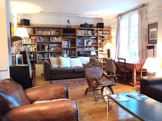 2 bedroom and 2 bathroom Canal Saint Martin Paris - Paris vacation rentals