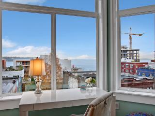 1 Bedroom Cosmopolitan Water View Oasis-Walk to Market! - Seattle vacation rentals