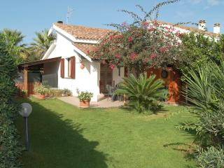 Villino Vincent - Spiaggia Grande, Calasetta - Calasetta vacation rentals