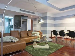 Fabulous B 32 I - Barcelona vacation rentals