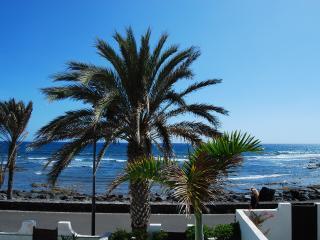 Ocean front 3-bedroom villa in Parque Santiago 3 - Playa de las Americas vacation rentals