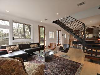 Park Lane Modern - Stunning 3br/3ba Home - Steps to South Congress! - Austin vacation rentals