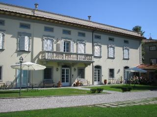 holiday apartment in villa near Lucca G7 - Santa Maria del Giudice vacation rentals