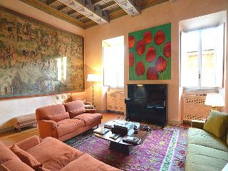 Piazza di Spagna Golden Apartment Amazing 3 Bedrooms-3 Bathroom A/C  7 people - Rome vacation rentals
