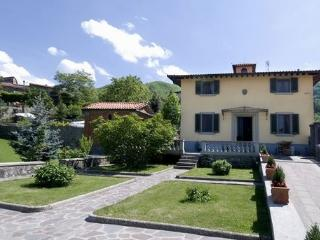 Lovely 3 bedroom San Godenzo Villa with Internet Access - San Godenzo vacation rentals