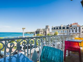 Central Oceanfront Duplex w/ Balcony & Garage - Biarritz vacation rentals