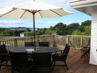 Alison's Beach House - Auckland vacation rentals