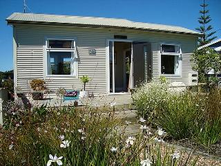 The Bach at Oneroa - Auckland vacation rentals