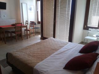 Kripis Studio Thessaloniki No4 - Thessaloniki vacation rentals