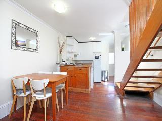Charming workers cottage in leafy inner city Glebe - Sydney vacation rentals
