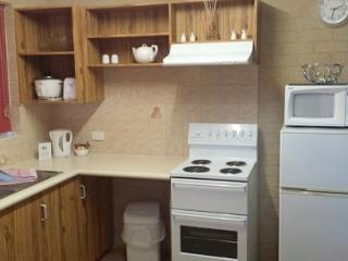2 bedroom Condo with Internet Access in Albany - Albany vacation rentals