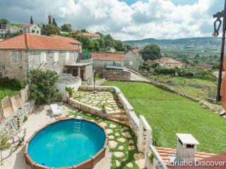Charming island house - Donji Humac vacation rentals