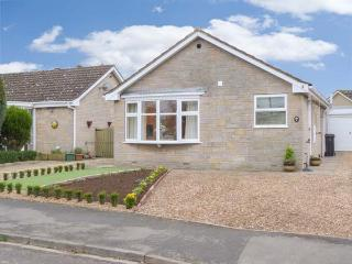 THE HOLLIES, detached, all ground floor, gas fire in sitting room, lovely enclosed garden with furniture, in Pickering, Ref 9165 - Pickering vacation rentals