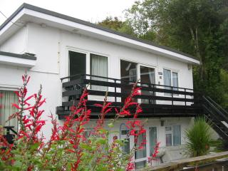 Perfect 3 bedroom Helford Passage Condo with Internet Access - Helford Passage vacation rentals