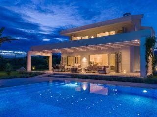 villa Red Land - Split vacation rentals