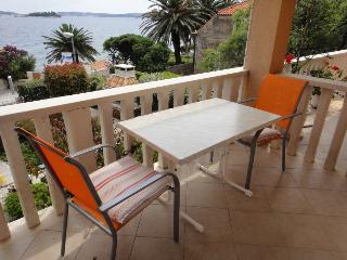 Antonio 2 - studio za 3 s pogledom na more - Orebic vacation rentals