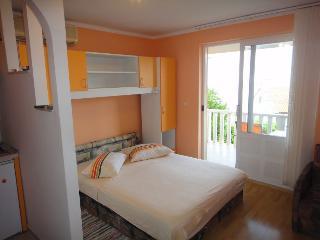 Antonio 3 - studio for 3 close to the sea with Wi-Fi - Orebic vacation rentals