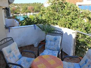 Apartment Artur 3 for 5 with seaview and AC - Grebastica vacation rentals