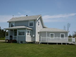 Bright 2 bedroom House in Nova Scotia with Deck - Nova Scotia vacation rentals