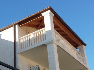 Maar deLuxe ideal next to Dubrovnik at Zaton bay - Dubrovnik vacation rentals