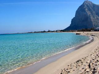"B&B Casa Vacanza ""U Pisci Lavuraturi"" - Valderice vacation rentals"