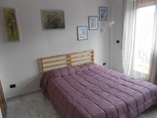 Bright 1 bedroom Genzano di Roma Bed and Breakfast with Internet Access - Genzano di Roma vacation rentals